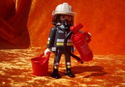 Feuerwehrmann in Montur