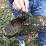 Nasser Schuh voller Lehm